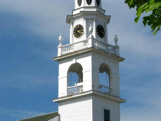 First-Parish-Kennebunk-clock-tower-and-belfry