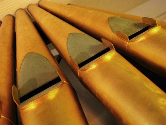 The-pipes-are-actually-very-large-metal-whistles